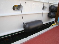 Inflatable Fenders for boats, yachts and sailboats.