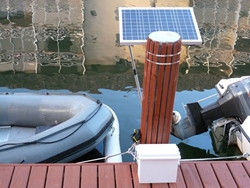 Solar set up to power on underwater LED lights