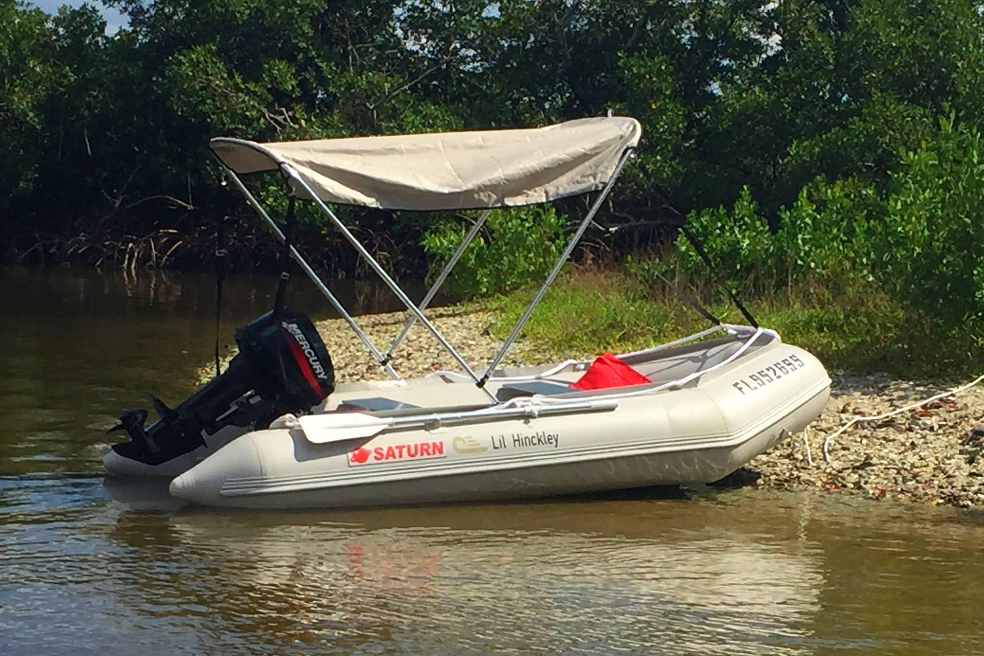 2-Bow bimini on SD290 boat